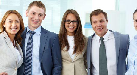 Trabajando para sumar a los jóvenes profesionales